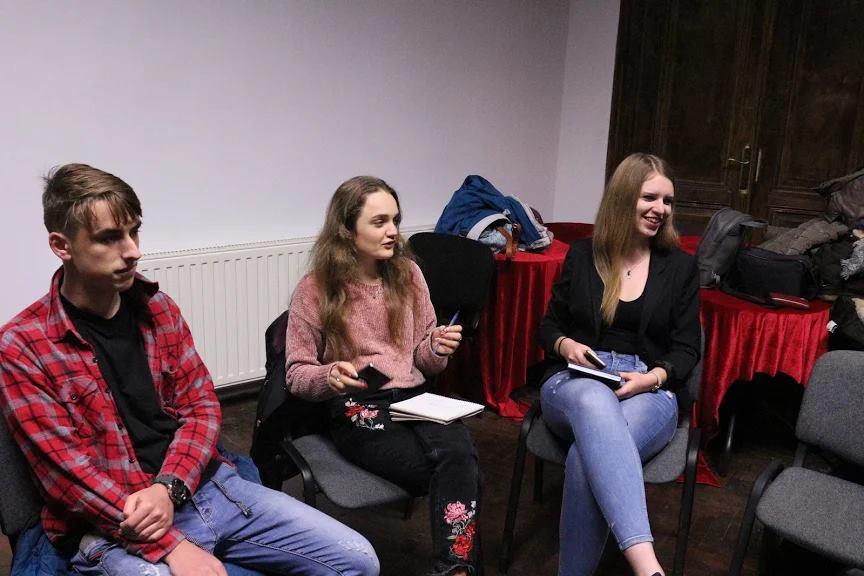 Ifjú újságírók képzése Bitoanca Dia irányításával